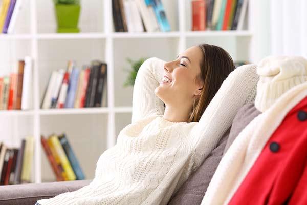 entspannt auf dem Sofa genießen